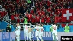 Reprezentacija Švajcarske slavi pobedu nad selekcijom Srbije, Rusija
