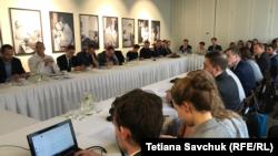 Дослідження «Разом ми сила: важелі впливу Кремля в країнах Вишеградської четвірки» презентували у Празі