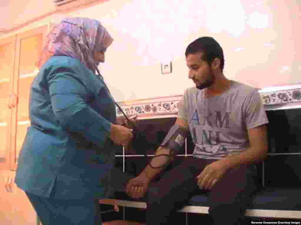 Сирийские беженцы в Турции в больнице в городе Урфа