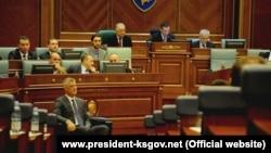Presidenti i Kosovës, Hashim Thaçi gjatë një seance të Kuvendit të Kosovës. Fotografi nga arkivi.