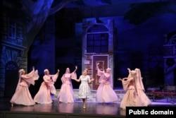 Operettadan səhnə