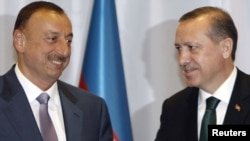 Президент Азербайджана Ильхам Алиев и премьер-министр Турции Реджеп Тайип Эрдоган (архивное фото)