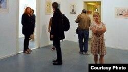 Марија Светиева на изложба.