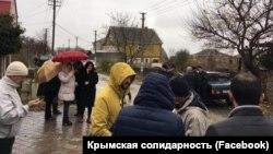 Возле дома Мустафы Мустафаева. Бахчисарай, 21 ноября 2017 года