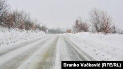 Buzlu yol. Foto arxiv