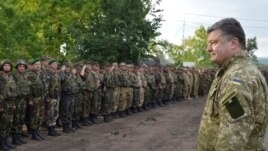 Poroshenko addressing Ukrainian soldiers on July 8.
