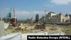 Местото каде се гради Панорамското тркало во Скопје.