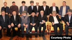 На фото члены общественного движения «Совет тейпов ингушского народа»