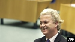 خريت ويلدرز، نماينده پارلمان هلند و رهبر حزب راستگرای آزادی هلند، فيلمی ساخته است که گفته میشود به خشونتهای دين اسلام میپردازد. عکس ازAFP