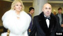 Иосиф Пригожин с женой, популярной певицей Валерией