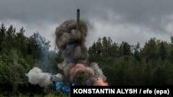 """Ресей әскери әуе-ғарыш күштері """"Батыс 2017"""" әскери жаттығуы кезінде ұшырған """"Искандер"""" тактикалық зымыраны. 18 қыркүйек 2017 жыл (Көрнекі сурет)."""