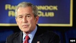 جرج بوش می گوید که ما خواهان صلح هستیم.(عکس: EPA)