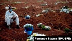 تا اکنون در نتیجۀ بیماری ناشی از ویروس کرونا در برازیل، بیش از ۱۷۹۷۰ تن جان داده اند.