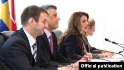 Nga takimi i Këshillit Ndërministror për Integrime Evropiane, Prishtinë, 15 tetor 2012.