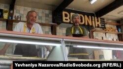 Засновники закладу «Bronik» – троє ветеранів війни на Донбасі, що разом служили у 55-ій артбригаді