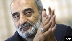 حسین شریعتمداری، نماینده ولی فقیه در موسسه کیهان.