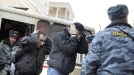 Незадолго до происшествия Юрий Червочкин позвонил товарищам и сказал, что за ним следуют четверо сотрудников УБОП, которых он знает, потому что до этого они неоднократно его задерживали и угрожали