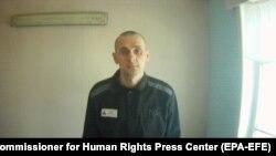 Үш айдан бері украиналық тұтқындардың босатылуын талап етіп, аштық ұстап келе жатқан тұтқын Олег Сенцов