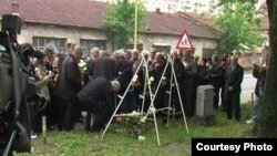 Obilježavanje stradanja vojnika JNA u Tuzli, 15. maj 2012. FOTO: RTV SLON