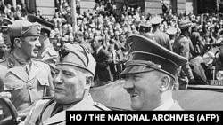 Benito Mussolini și Adolf Hitler , Muenchen, iunie 1940