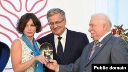 Жанна Немцова, Бронислав Комаровски, Лех Валенса