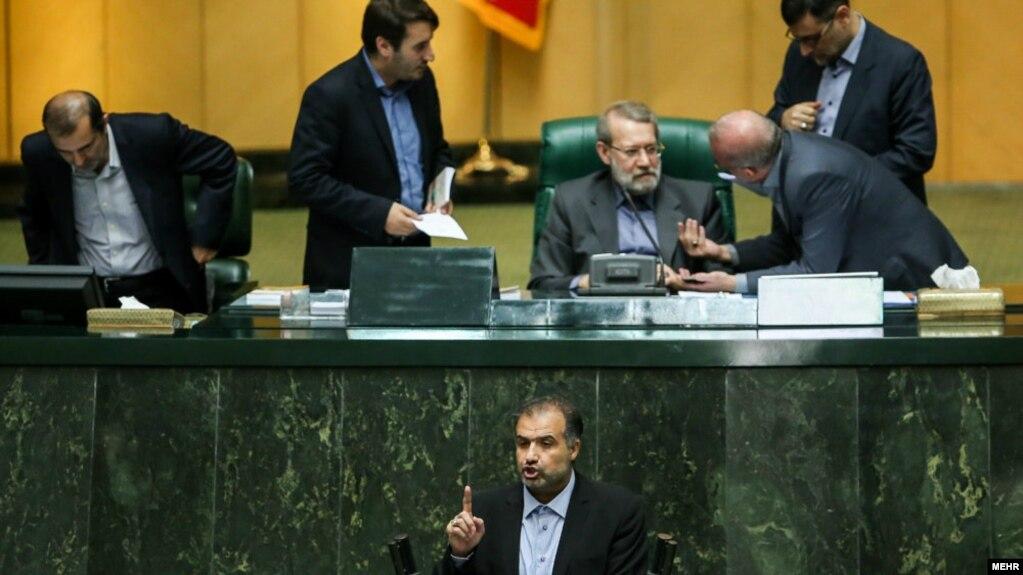 مرکز پژوهشهای مجلس ایران پیش از این نیزپیشبینی کردهکه در سال ۹۸ هیچ پولی وارد صندوق توسعه ملی نخواهد شد