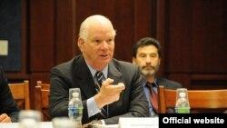 Senatorul Benjamin L. Cardin (D-MD), președintele Comisiei Helsinki discută preluarea de către Cazahstan a președinției OSCE