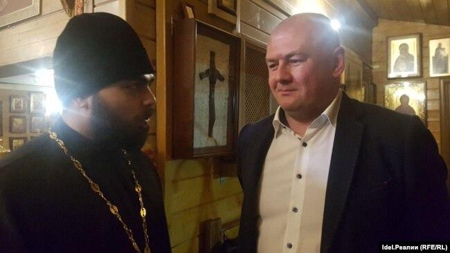 Роман Силантьев (справа)