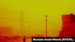 كربلاء:منظر من العاصفة الترابية التي ضربت العراقفي 6 ايار الجاري