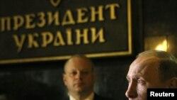 Володимир Путін під час візиту до України, 27 квітня 2010 року