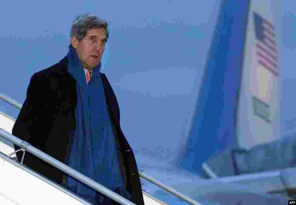 U.S. Secretary of State John Kerry arrives at Geneva International airport for talksbetween Iran and world powers on Tehran's disputed nuclear program on November 23. (AFP/Denis Balibouse)