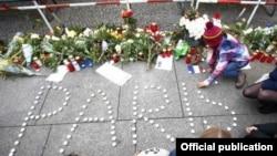 Sveće za žrtve terorističkog napada u Parizu