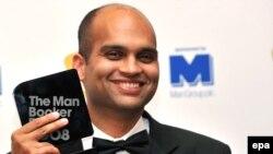Аравинд Адига, обладатель Букеровской премии за прошлый год