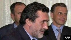 Arbër Xhaferi (në plan të parë)