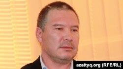 Оппозициялық саясаткер Серікжан Мәмбеталин. Алматы, 26 қараша 2013 жыл.