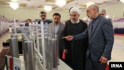 Президент Ирана Хасан Роухани (второй справа).