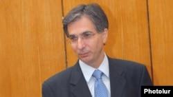 Ֆինանսների նախարար Տիգրան Դավթյանը: