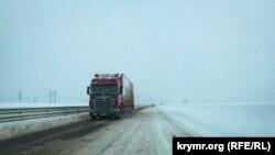 Рух автомобільного транспорту на автодорогах забезпечений, додають рятувальники