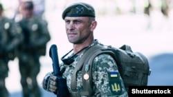НАТО ҳарбийси.