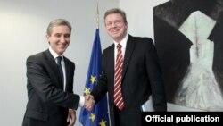 Министр иностраных дел Юрие Лянкэ с еврокомиссаром по вопросам расширения ЕС, Стефан Фюлле
