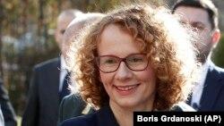 заменик претседателката на Владата и министерка за одбрана Радмила Шекеринска