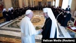 Папа Франциск відвідує слухання з єпископами Синоду Української греко-католицької церкви у Ватикані, 2 вересня 2019 року