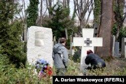 Orosz katonai emlékmű a prágai Olsany temetőben, 2014. március 18.