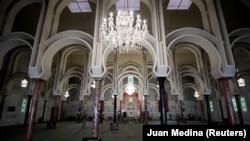 Опустевшая главная мечеть Мадрида, 23 апреля 2020 года.