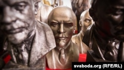 Бюсты Леніна ў полацкім музэі «Сэнс Жыцьця», архіўнае фота