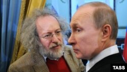Aleksei Venediktov (left) says Vladimir Putin is a master of speaking differently to different audiences.