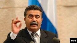 С речью об активизации военных действий в Ливане перед депутатами кнессета выступил министр обороны Амир Перец