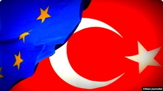 Turkey -- The Turkish national flag flies close to the EU flag, 17Oct2011