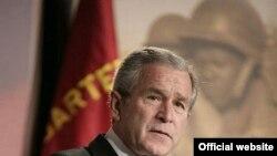 آقای بوش از کنفرانس منطقه اي اخير در بغداد به عنوان سرآغازي خوب ستايش کرده است.