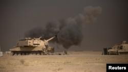 شلیک از یکی از تانکهای آمریکایی به سوی موصل در پشتیبانی از نیروهای عراقی